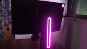 AW2521HFのLEDのピンクの画像
